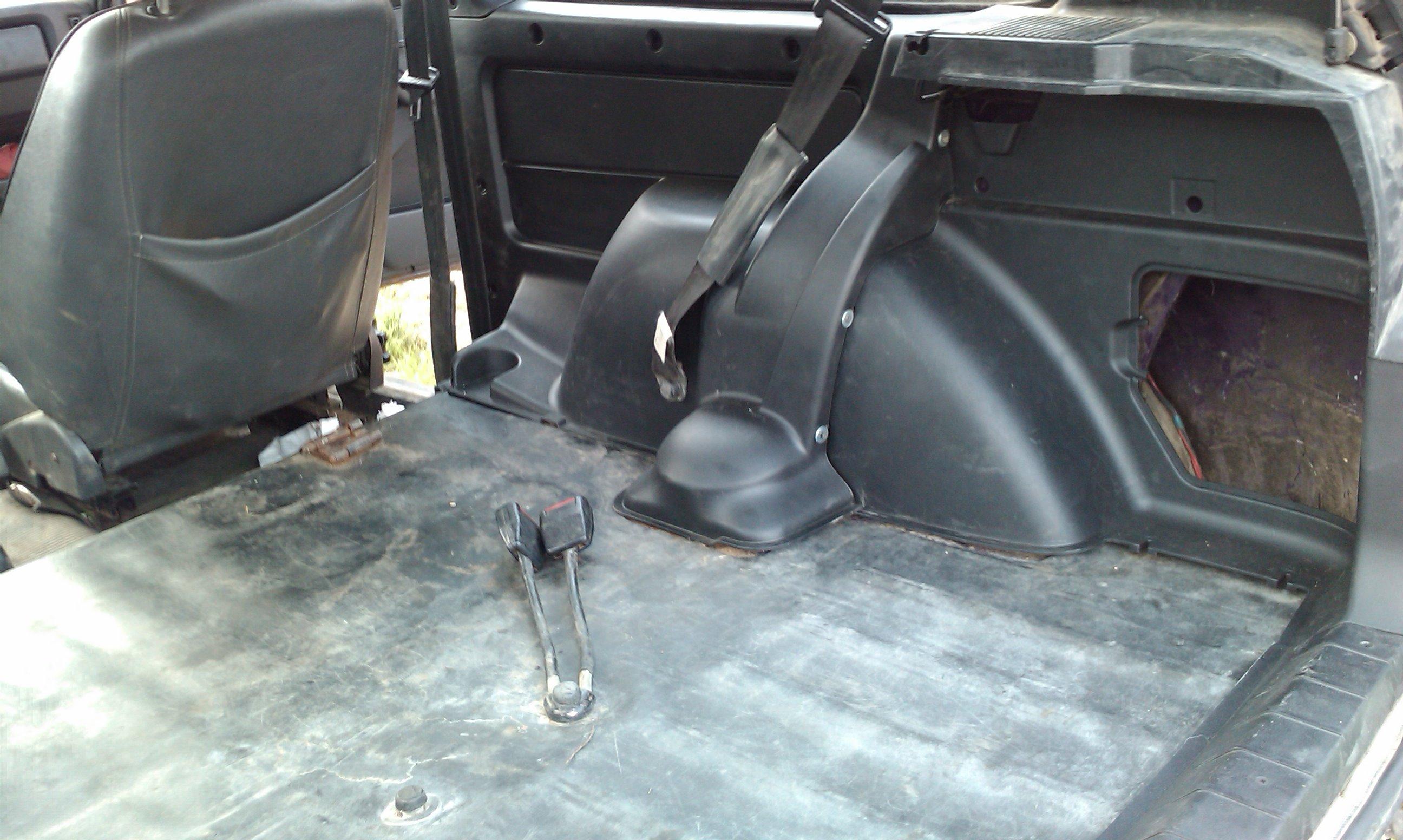 Заменить обшивку в авто своими руками